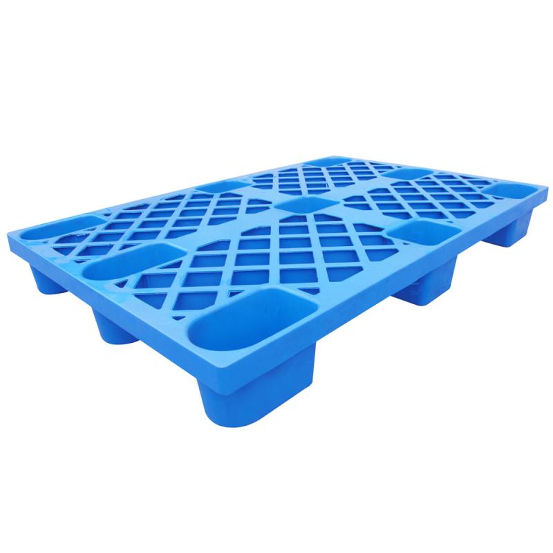 Паллет полимерный 02.116.75 (800*600*135) перфорированный на ножках (синий)